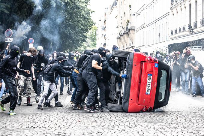 Stop à l'impunité des Black blocs !